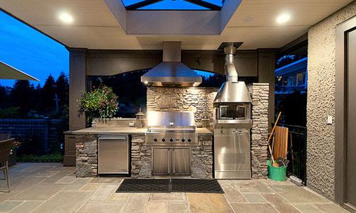 Luxury-Outdoor-Kitchen-Blue-sky -