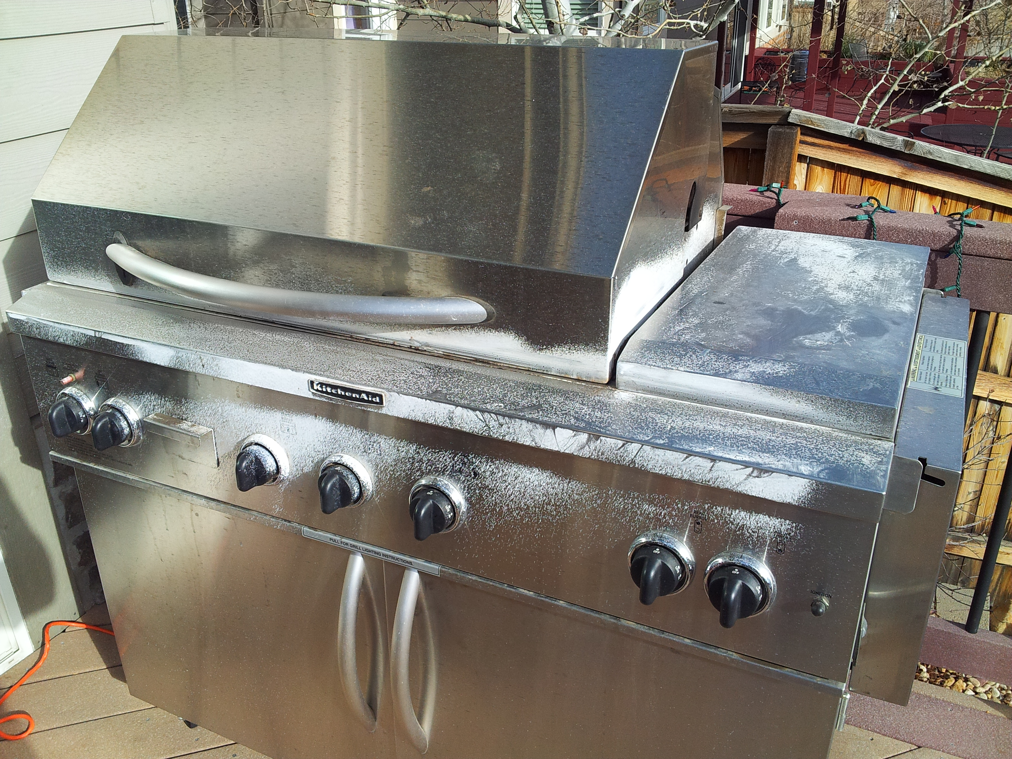 how to clean bbq burners